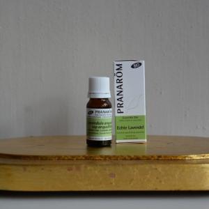 foto aromatherapie, etherische olie van echte lavendel